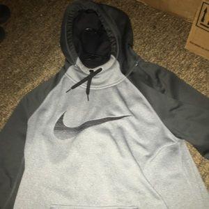 Gray Nike therma